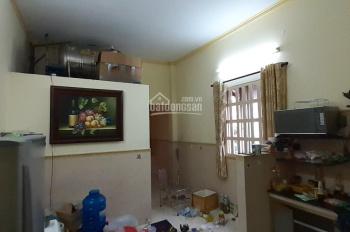 Cho thuê nhà trệt nguyên căn hẻm 625 Trần Xuân Soạn 2PN, có nội thất + sân