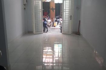 Cho thuê nhà hẻm xe hơi đường Thái Phiên, P. 8, Q. 11. DT: 3.5x10m, lầu, 2 phòng ngủ, giá 10tr/th