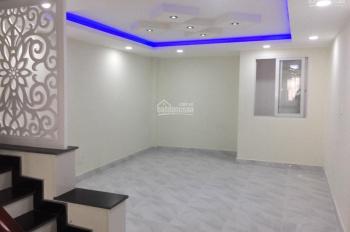 Bán nhà trệt 3 lầu HXH đường Đình Phong Phú, cách MT chỉ 30m, DTSD: 220m2 sàn XD, giá 5.4 tỷ TL CC