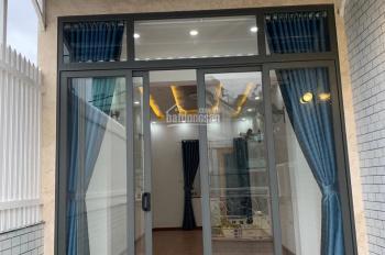 Tôi cần bán mặt tiền 226 Nguyễn Thái Sơn P. 4, GV (5.6x18) 4 tầng đang cho thuê Pharmacy 30 tr/th