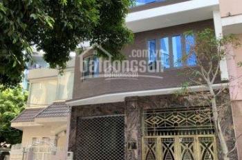 Cho thuê nhà nguyên căn 2 mặt tiền hẻm Sư Vạn Hạnh, DT: 8x16m, 3 lầu, 0939324242 Thái