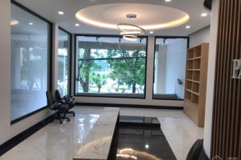 Cho thuê nhà mặt phố Trấn Vũ, vị trí cực đẹp, view hồ, nhà mới, có hầm, 100m2 x 2 tầng, mt ~7m