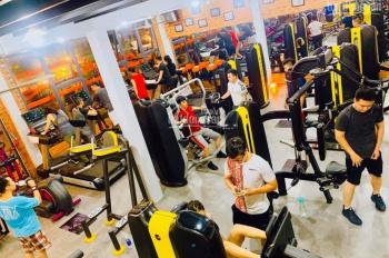 Sang khu tập gym Quận 2; đầy đủ dụng cụ, khách hàng có sẵn, TDTSD: 800m2, LH: 0902.383.789