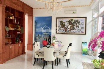 Chính chủ bán biệt thự khu Bàu Cát, P12 Tân Bình. DT: 7.5x17.2m, 3 lầu + ST, có thang máy