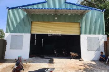 Cho thuê nhà xưởng 2100 m2 Hóc Môn