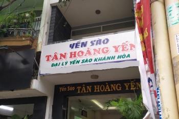Cho thuê nhà 4x18m, 3 lầu mặt tiền đường Bàu Cát Đôi, Tân Bình. LH: 0906693900