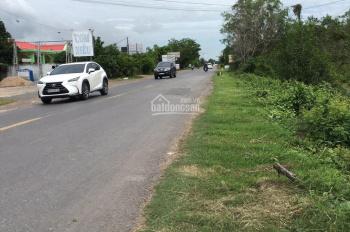 Chủ đi định cư nước ngoài bán gấp đất thị trấn Thạnh Hóa, Long An, DT 6.888m2. LH 0944.141312