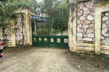 Bán lô đất 6400m2 đã xây biệt thự nghỉ dưỡng cao cấp nằm trên bán đảo tại Liên Sơn, Lương Sơn, HB