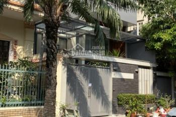 Cho thuê biệt thự đẹp mặt tiền đường Hoa Đào, quận Phú Nhuận 8x18m