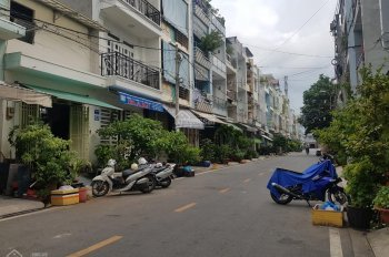 Bán nhà MTNB Bình Phú sát đường Số 23 4x12m cấp 4 giá 5.4 tỷ TL