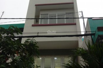 Nhà 4 tầng đường Thăng Long, Q. Tân Bình, gần sân bay, giá: 18tr/tháng. LH: 0938313896