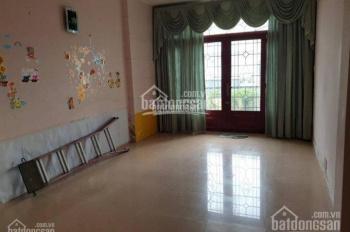 Cho thuê nhà nguyên căn mặt tiền Cô Bắc, Q1. DT 4x20m 4 lầu 8 phòng + MB giá 64 triệu/tháng