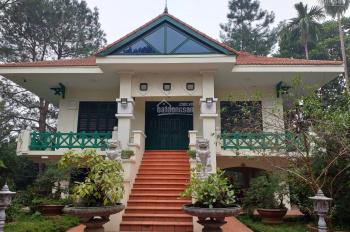 Cần bán gấp biệt thự nghỉ dưỡng cao cấp tại mặt Hồ Miễu thuộc xã Liên Sơn, Lương Sơn, HB