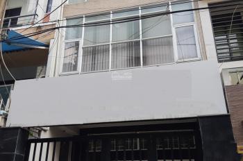 Cho thuê nhà đường Sư Vạn Hạnh, Quận 10, cầu thang cuối nhà