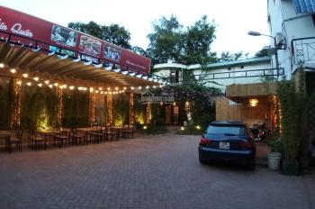 Cho thuê mặt bằng kinh doanh 1000m2 phố Đặng Tiến Đông có nhà 2 tầng sân rộng