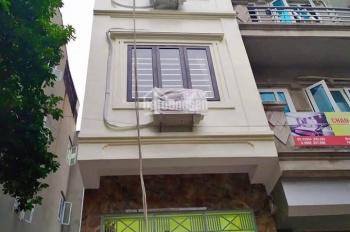 Cho thuê nhà ngay mặt đường đôi Trung Kính, DT: 75m2 x 4T, giá 20 tr/tháng
