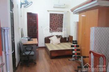 Cho thuê nhà 3 tầng, DT 50 m2 ngõ 750 Đê La Thành, 2 pn, giá 7 triệu/th. LH: A Sơn 0936385969