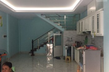 Bán nhà đẹp 3T Ngọc Lâm, 43m2, đường rộng gần hồ giá 2.5 tỷ Long Biên