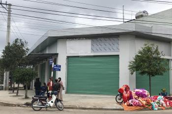 Cho thuê nhà mặt tiền 25m, trung tâm chợ Dinh và trường học Nhơn Bình