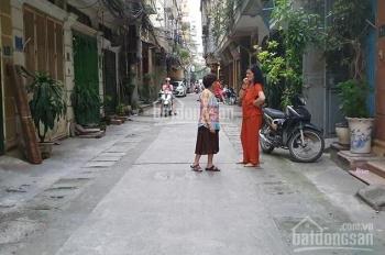 Chính chủ cho thuê nhà Thái Thịnh, giá 15 triệu/tháng, LH 0986338382
