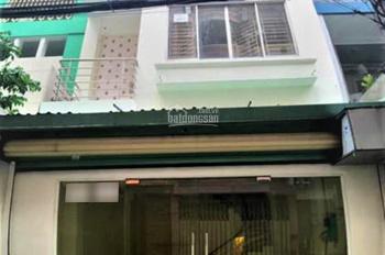 Cho thuê tầng trệt nhà Nguyễn Thị Minh Khai gần SVĐ Hoa Lư, 5x9.6m