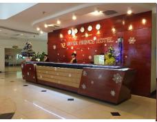Cần bán khách sạn 4* gồm 104 phòng ngay trung tâm chợ Đà Lạt, giá đầu tư tốt, LH: 0938162899