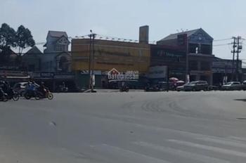 Cho thuê nguyên căn góc 2 mặt tiền ngã tư 550, Thuận An. DT: 15x15m, 0899889959