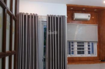 Cho thuê nhà trong hẻm Hồng Hà phường 2 quận Tân Bình DT 4x20m