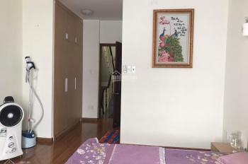 Căn hộ chung cư 2 PN, 1 WC, vị trí đẹp, full nội thất, 45m2 giá 2,1 tỷ. LH chủ nhà 0908586328