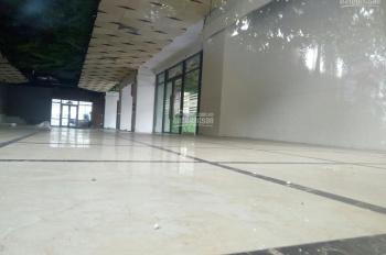 Cho thuê sàn thương mại chân đế chung cư phố Xuân La, Tây Hồ 190m2, giá thuê cực rẻ LH: 0982370458