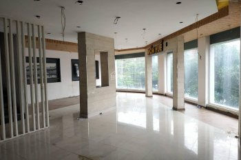 Cho thuê nhà mặt phố Chùa Bộc MT 4.2m, DT 100m2 x 4 tầng