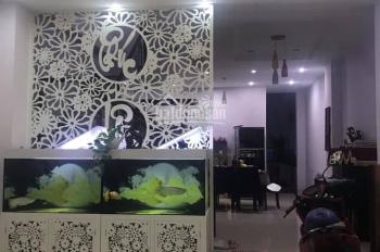 Cần bán gấp nhà 1 trệt + 2 lầu nằm trên đường D1, KDC Việt Sing. Thuận An, Bình Dương