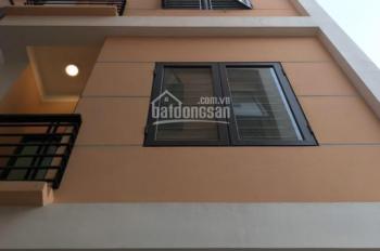 Bán nhà 4 tầng mới xây phố Bế Văn Đàn Quang Trung Hà Đông 40m2 MT 3.90m. Giá 3.3tỷ LH 0982889416