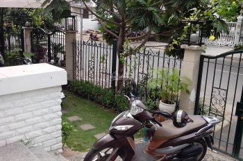 Cần bán gấp biệt thự Mỹ Gia Phú Mỹ Hưng, đường 20m, nhà đẹp có hồ bơi. LH: 0902400919