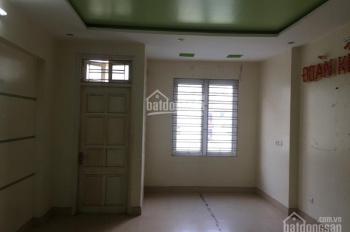 Nhà riêng ngõ phố Giải Phóng, Trương Định, DT 65m2x5T giá 25tr