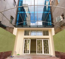 Cho thuê nhà mặt phố Nguyễn Ngọc Vũ, Cầu Giấy làm cà phê văn phòng. LH: 0784080248