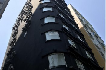 Cho thuê khách sạn ngay chợ Bến Thành Q1, 7 lầu, 15P. TN 300 - 400tr/tháng giá thuê 150tr