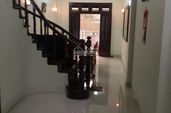 Cho thuê nhà ngõ 266 Đội Cấn, DT: 30m2 x 4 tầng, MT: 3,5m, giá thuê 8 triệu/tháng bàn giao ngay