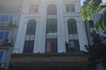 Nhà mặt phố Chùa Láng, Láng Thượng 135m2 mặt tiền 8m chính chủ