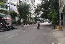 2 lô liền kề vị trí trung tâm TP, 2 mặt tiền 3/2 và Nguyễn Chí Thanh; Sổ hồng riêng; lh 0904472779