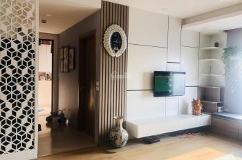 Chuyển nhà mặt đất cần bán căn hộ 68m2 x 2PN toà K - Park Văn Phú, phòng khách nhìn ra công viên