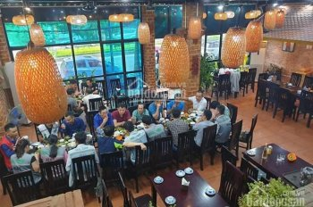 Cho thuê nhà mặt phố Lạc Long Quân, gần tập đoàn Tân Hoàng Minh, 200m2 x 2 tầng, mặt tiền ~10m