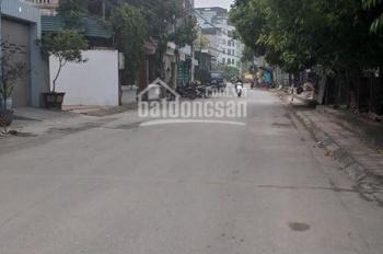 Bán đất Thượng Thanh, Long Biên, DT 101m2 MT 4,5m đường rộng 8m có vỉa hè, KD tốt. LH 0903483435
