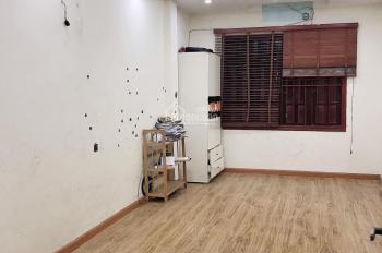 Cho thuê nhà mặt phố Đền Lừ làm cửa hàng kinh doanh 55m2x3 tầng, 14 triệu/th - C Thủy 0989.998.749