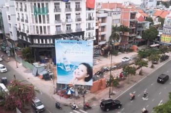 Cho thuê khách sạn mới xây ngay ngã tư mặt tiền Hồng Hà Quận Tân Bình, sát ngay sân bay