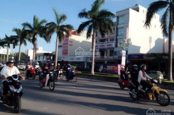 Bán nhà 3 tầng mặt tiền đường Điện Biên Phủ, DT: 100m2, giá 18 tỷ. LH: 0934.756.788