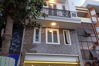 Cho thuê khách sạn mới xây full nội thất, ngay ngã tư mặt tiền Hồng Hà, gần sát sân bay