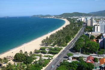 Bán nhà 4 tầng mặt biển đường Phạm Văn Đồng gần dãy khách sạn chỉ 215tr/m2. LH 0988870083