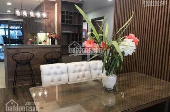 Cho thuê căn hộ chung cư Discovery Complex, căn góc, DT 148m2, 3PN, nội thất đẹp. LH: 0963083455