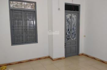 Cần tiền bán gấp nhà 42.2m2x2 tầng kiên cố vào ở ngay tại Thanh Am, Thượng Thanh, LB, giá rẻ 2.05tỷ